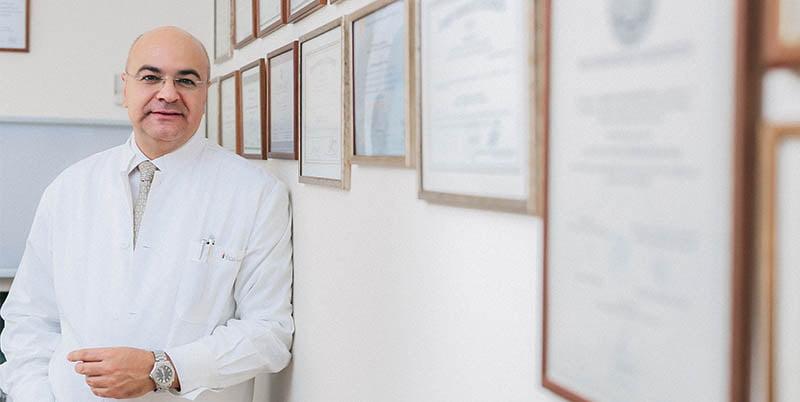 μέλος της εταιρείας λαπαροσκοπικής και ρομποτικής χειρουργικής